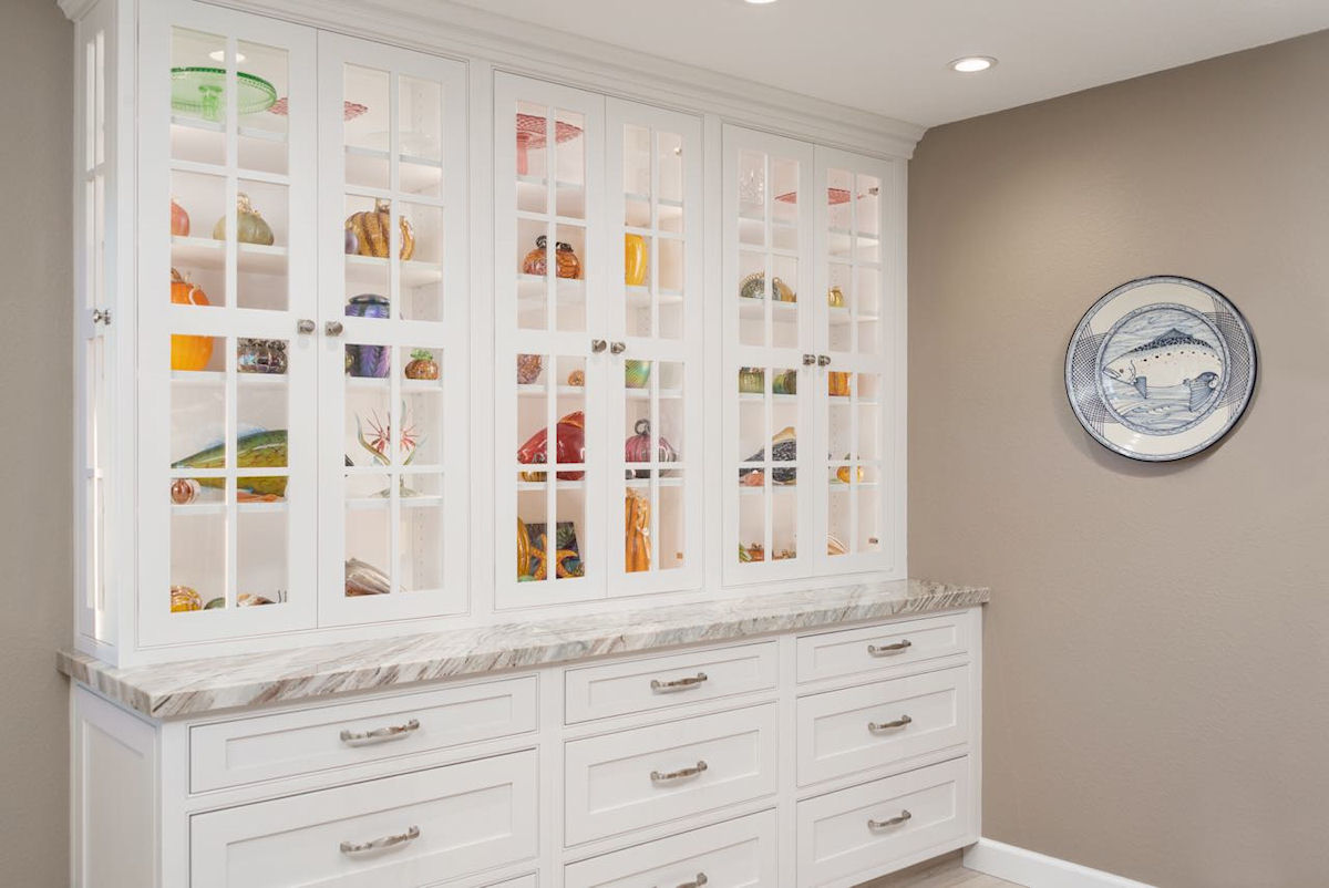 Kitchen-Display-Cabinet