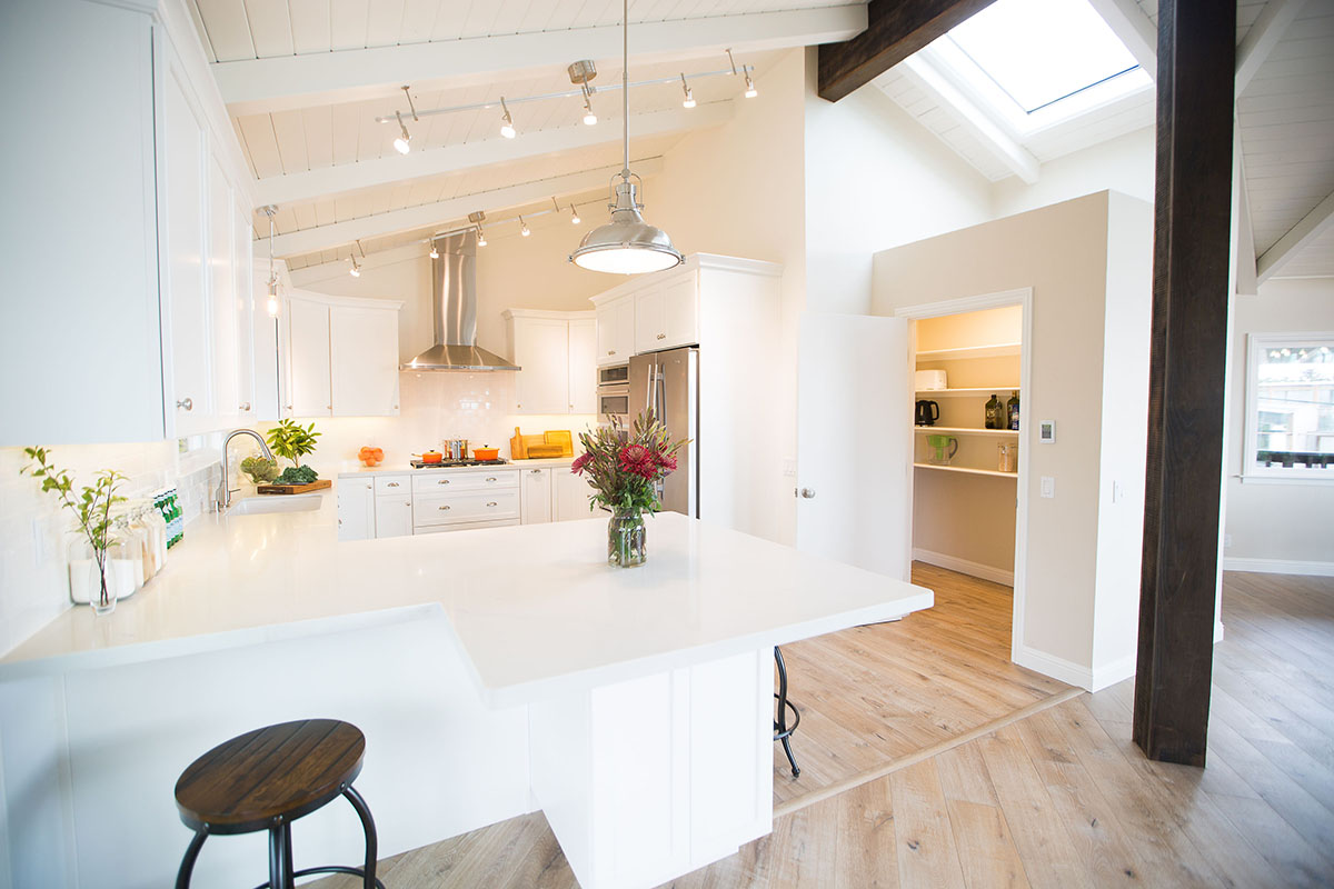 ocean-view-home-kitchen-white-counter-