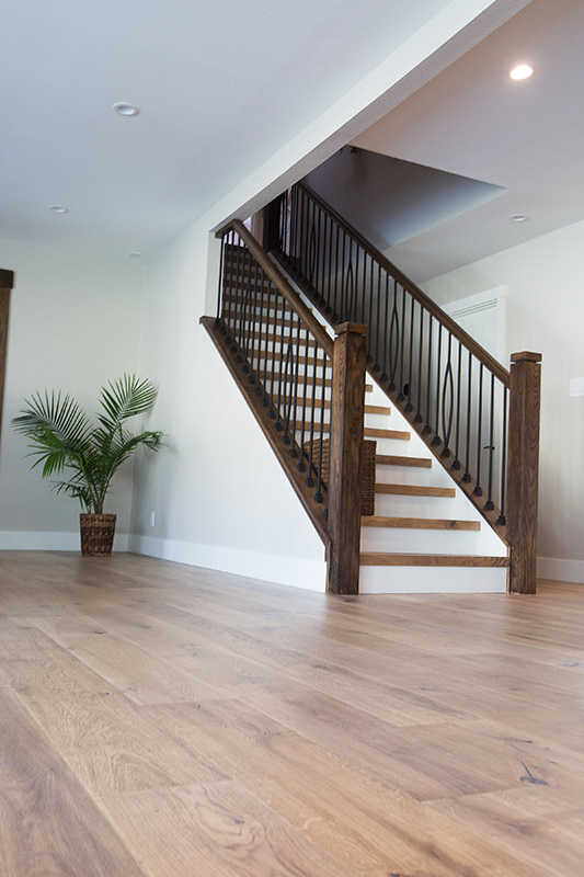 rustic-contemporary-home-hardwood-floors-wooden-staircase
